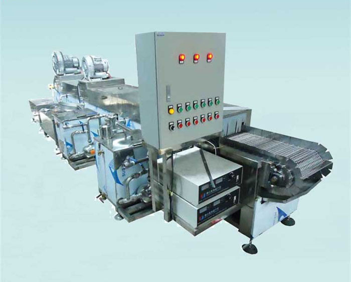 Ultrasonic automatic cleaning and drying equipment for die casting metal scraps